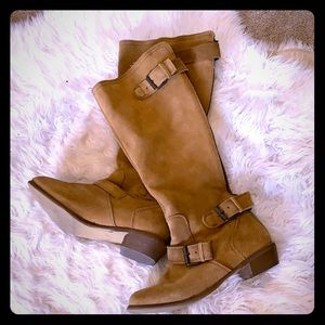 Suede boots with buckle/zipper